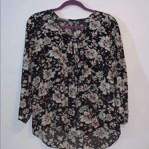 Fun 2 Fun v-neck floral blouse